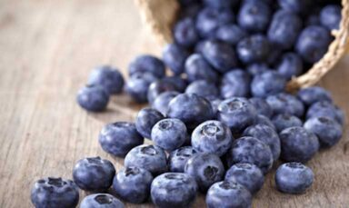 blueberries-on-table